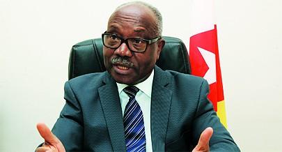 O presidente da FNLA critica aqueles que pretendem adiar a unidade e a reconciliação do partido em nome de interesses pessoais