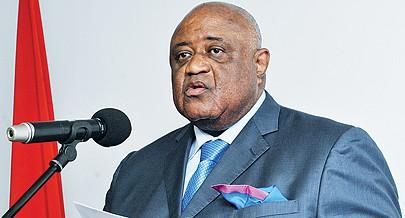 Ministro da Comunicação Social José Luís de Matos chefia a delegação angolana