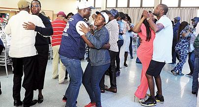 Convidados desfrutaram de bons momentos de dança