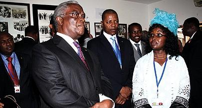 Presidente cessante de São Tomé e Príncipe Manuel Pinto da Costa durante visita à comunidade são-tomense em Luanda