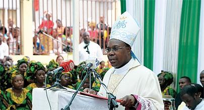 A missa foi celebrada pelo bispo auxiliar de Luanda  Dom Zeferino Zeca Martins e visou pedir a intercessão de Maria Mãe de Deus pela paz