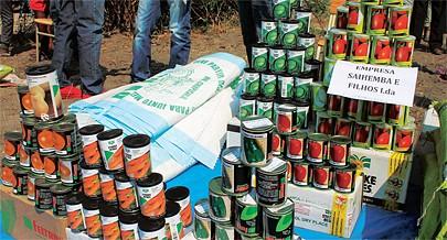 Os agricultores  na  comuna de  Luxia têm fortes tradições no cultivo de hortaliças e cereais e seus derivados