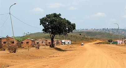 O realojamento em casas evolutivas de cidadãos que viviam em zonas  de risco deu uma nova imagem à aldeia e outra qualidade de vida à população