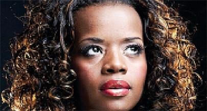 Cantora lança em breve disco promocional