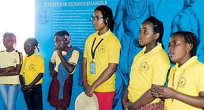 Estudantes conhecem história de Angola