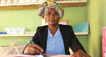 Maria Emília Pascoal é uma empreendedora que abraçou o comércio precário