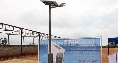 A tecnologia mais adequada para a produção de electricidade é através de sistemas fotovoltaicos