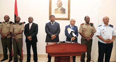 Acto liderado pelo ministro da Defesa juntou oficiais dos diferentes ramos das FAA