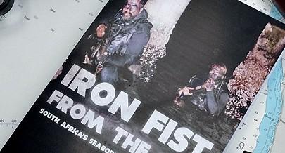 Capa do livro que conta detalhadamente a história das agressões do exército sul-africano