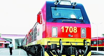 País tem três caminhos-de-ferro com destaque para o de Benguela que já está pronto para ligar Angola às Repúblicas Democrática do Congo e da Zâmbia passando por diferentes plataformas logísticas