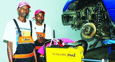 Centros de formação profissional implantados no país dão cursos técnicos para a juventude