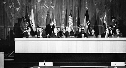 Os herdeiros do apartheid procuram hoje reduzir a importância que teve a assinatura dos Acordos de Nova Iorque que abriu caminho para a democracia e o desenvolvimento nesta região