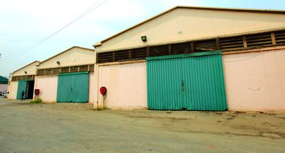 EntrepostoAduaneiro de Luanda comporta armazéns de grande dimensão onde são acomodados vários produtos