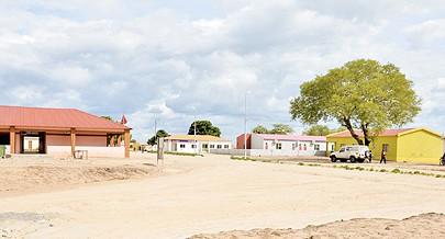 Novas infra-estruturas entre elas casas sociais dão uma nova imagem ao município e melhoram as condições de vida da população