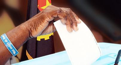 Nasce hoje um ano de grandes desafios para os angolanos que são chamados a escolher em eleições gerais livres e transparentes os seus representantes nos órgãos de soberania