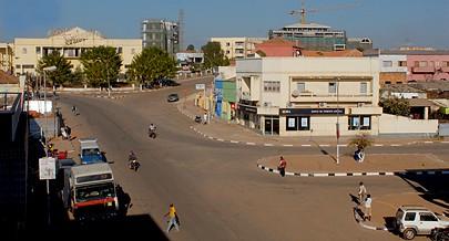 Várias ruas secundárias e terciárias da estrada Bondo-Caila vão receber obras num percurso de centenas de quilómetros