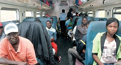 Transporte de passageiros no CFB passa a ser feito com maior segurança e conforto com o reforço da frota de locomotivas
