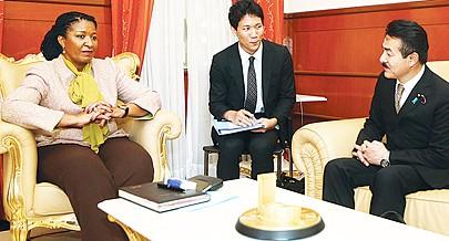 Secretária de Estado para a Cooperação recebeu delegação parlamentar japonesa