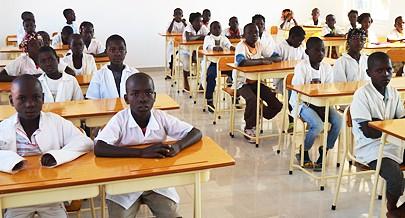 Com novas escolas e a admissão de centenas de professores mais crianças entram no sistema de ensino na província do Cuando Cubango