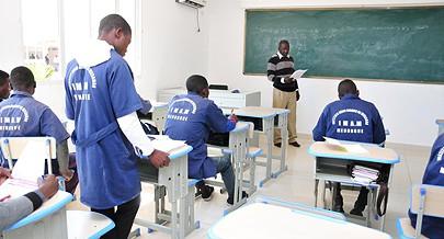 A realização de seminários de capacitação padagógica permitem aos professores actualizarem os seus conhecimentos
