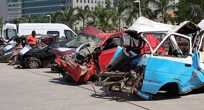 Os acidentes de viação têm resultado na perda de vidas humanas  principalmente jovens  uma força  que deveria trabalhar para a nação
