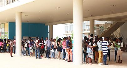 O Campus Universitário tem conhecido nos últimos dias um movimento inusitado de candidatos que querem ingressar no ensino superior