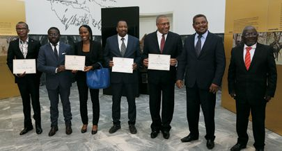 Distinguidos pelo Ministério da Cultura exibe os diplomas de honra