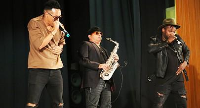 Saxofonista Nanuto partilhou com a banda The Grovee