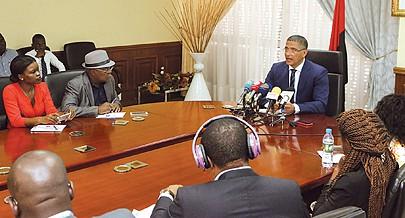 Ministro João Baptista Borges admitiu a possibilidade de restrições de electricidade nos próximos dias por baixa disponibilidade de água
