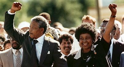 No dia 11 de Fevereiro de 1990, quando eram 16h14, Nelson Mandela, líder do movimento anti-apartheid, foi libertado da prisão, onde esteve 27 anos, após ser condenado a prisão perpétua, no Julgamento de Rivonia, juntamente com sete outros camaradas. Mande