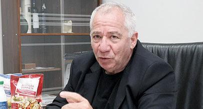 Director-geral da Aldeia Nova  Kobi Trivizki  destaca a oferta de mais leite para o mercado