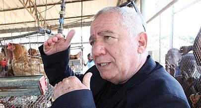Director-geral da Aldeia Nova  Kobi Trivizki destaca a satisfação dos criadores de aves