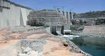 Presidente da República José Eduardo dos Santos acciona hoje em Laúca o botão para o início do enchimento da albufeira da maior central hidroeléctrica do país