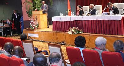 Empresários e representantes do sector financeiro discutiram as acções para impulsionar o  Turismo em Angola e aumentar o contributo do sector no Orçamento Geral do Estado