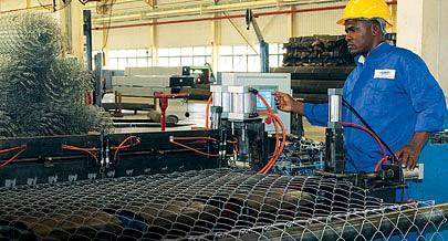 Unidade industrial localizada na Zona Económica Especial Luanda-Bengo tem capacidade instalada para abastecer o mercado interno com cercas metálicas