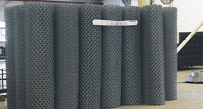 A fábrica é a principal fornecedora dos materiais de vedação usados nos grandes projectos de engenharia e agropecuária do país