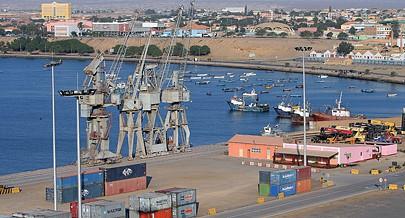 Do Porto Comercial do Namibe saem anualmente milhares de toneladas de produtos do mar para os mais variados destinos