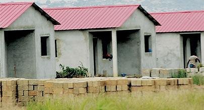 Casas socias estão a ser erguidas para realojar famílias que vivem em zonas de risco