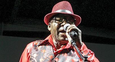 Homenagem ao célebre compositor e cantor Matadidi Mário Bwana Kitoko na Trienal de Luanda