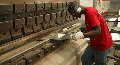 O processo de produção de spiro é conduzido maioritariamente por técnicos nacionais