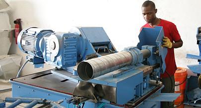 Há já dois anos que a Ramos Ferreira Angola deu início à produção de equipamentos  de  aquecimento e  ventilação numa fábrica localizada na zona de Kikuxi