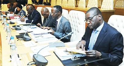 Membros da Comissão para a Política Social do Conselho de Ministros analisaram ontem aspectos que têm a ver com o sector da Educação