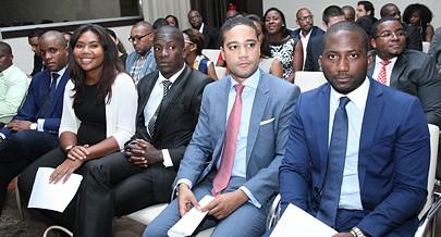 Jovens esclarecidos sobre o projecto de crédito denominado Projovem enaltecem a iniciativa do Executivo que visa impulsionar a criação de negócios e de postos de trabalho em todo o país