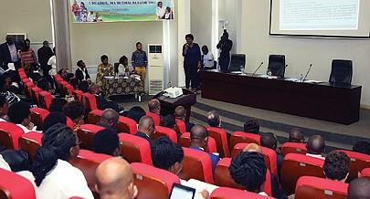Uma palestra sobre depressão promovida pela  Direcção Nacional de Saúde Pública