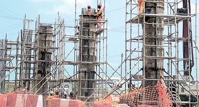 Construção do viaduto que liga a centralidade do Kilamba ao distrito da Camama vai agilizar a circulação rodoviária