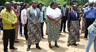 Ritual tradicional marcou o acto  de inauguração da fábrica em Cabinda