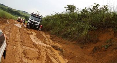 Secretário da Construção promete para breve a reabilitação da via entre Mbanza Kongo e Kuimba