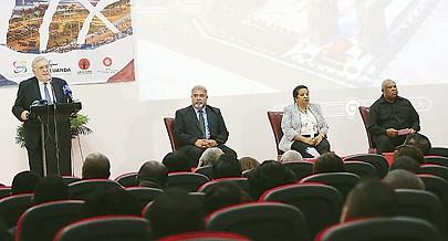 """O secretário-geral da UCCLA Victor Ramalho, falou no fórum económico das cidades sustentáveis que decorreu sob o lema """"Pensar Global Actuar Local"""""""