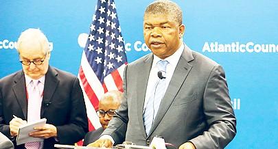 Ministro da Defesa falou aos investidores das grandes potencialidades existentes em Angola e das acções levadas a cabo pelo Governo para criar um bom ambiente de negócios