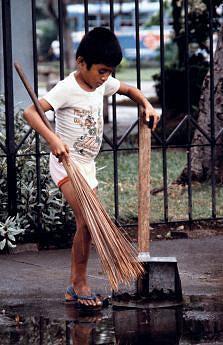 Trabalho infantil é uma forma de agressão a milhões de crianças inocentes no mundo inteiro